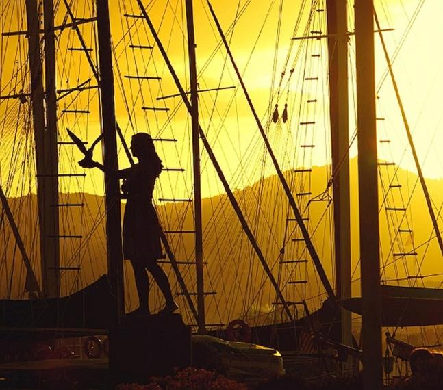 Znate li zašto se nekad vjerovalo da žena na brodu donosi nesreću?