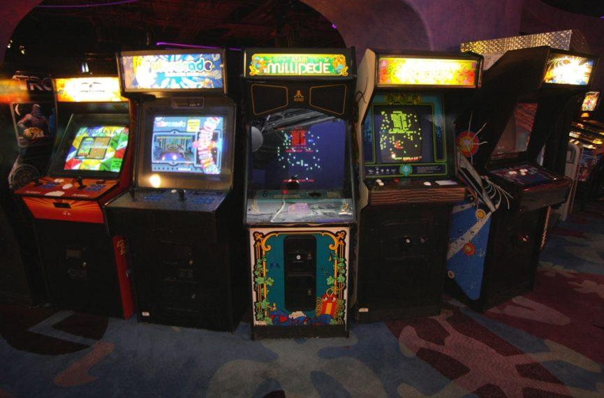 Trostruka retro recenzija: Igre s arkadnih strojeva koje pamtimo iz djetinjstva