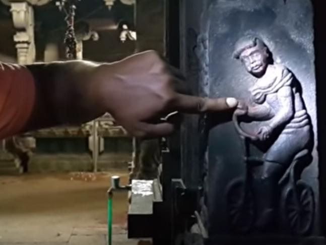 Bicikl u indijskom hramu 2