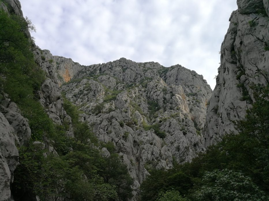 Stijene pozivaju