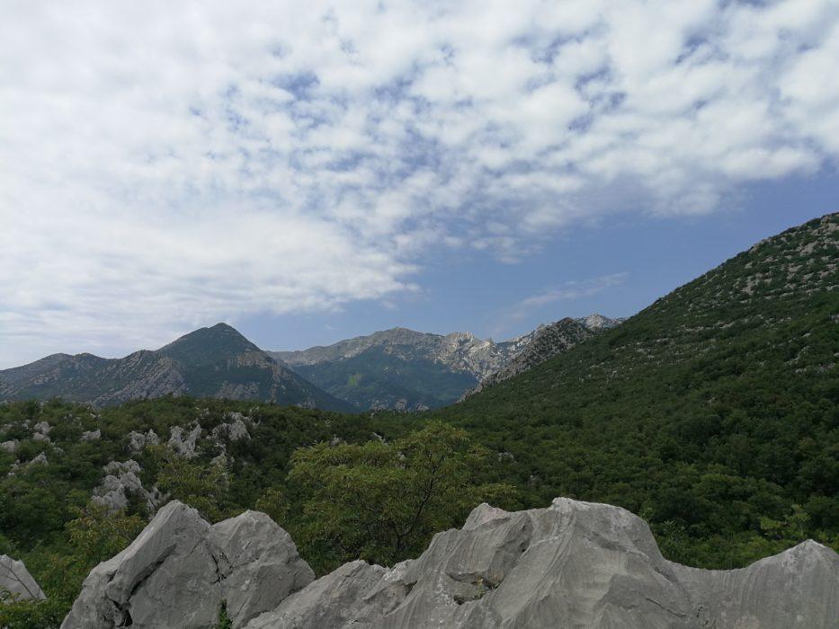 Nekoliko planinskih vrhova