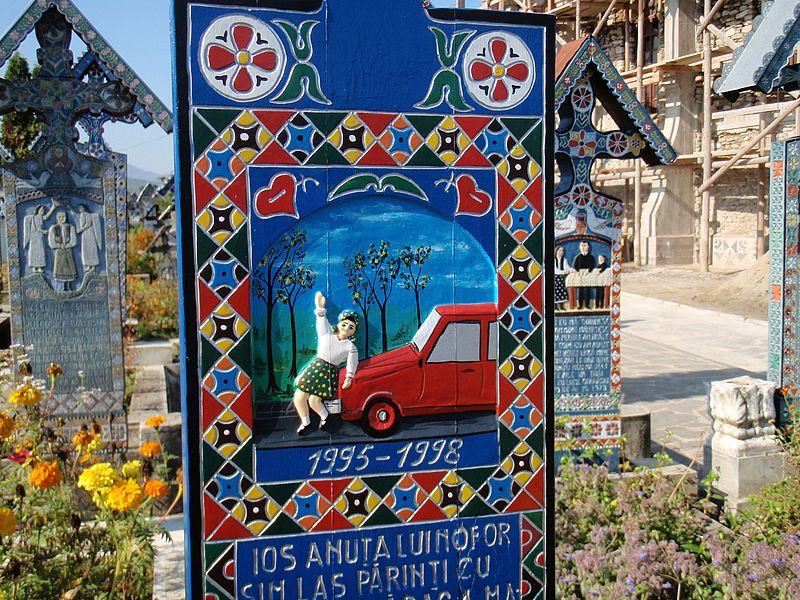 """""""Veselo"""" groblje svojim šarenim spomenicima privlači posjetitelje iz cijeloga svijeta"""