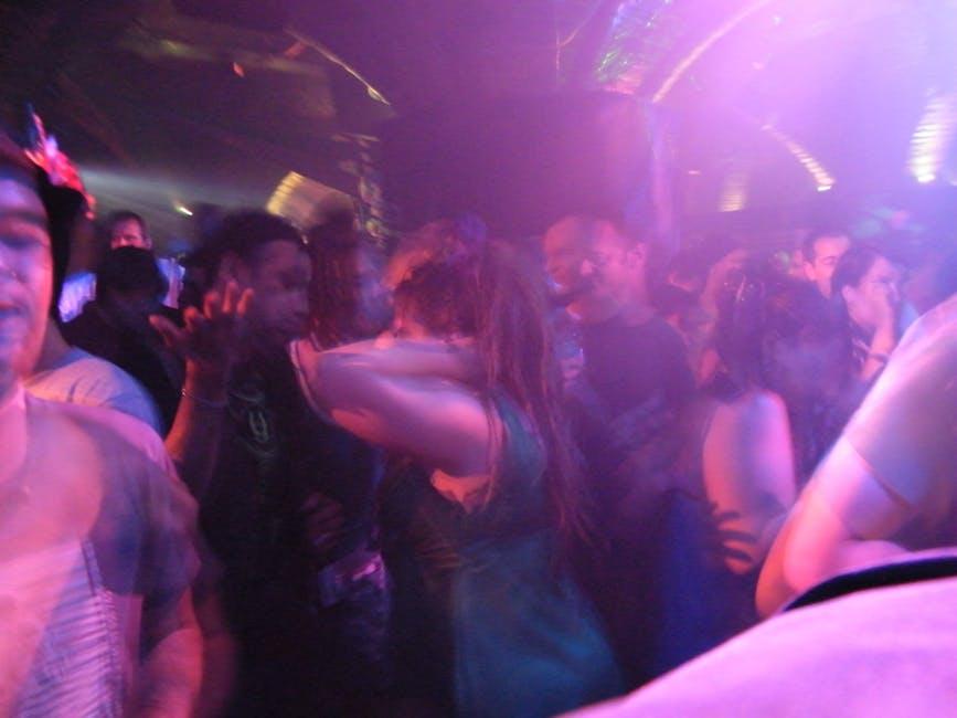 Party u klubu 2