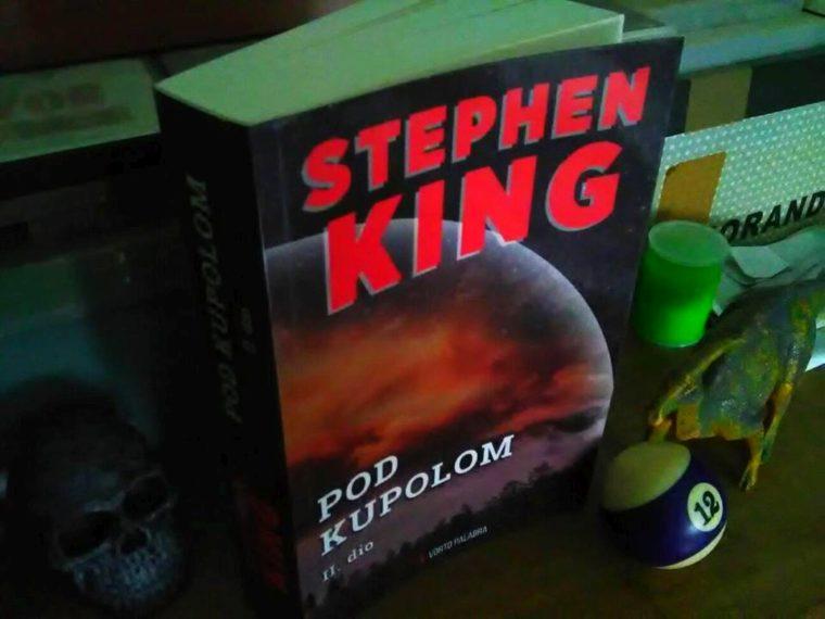 Recenzija: Stephen Kingov roman Pod kupolom