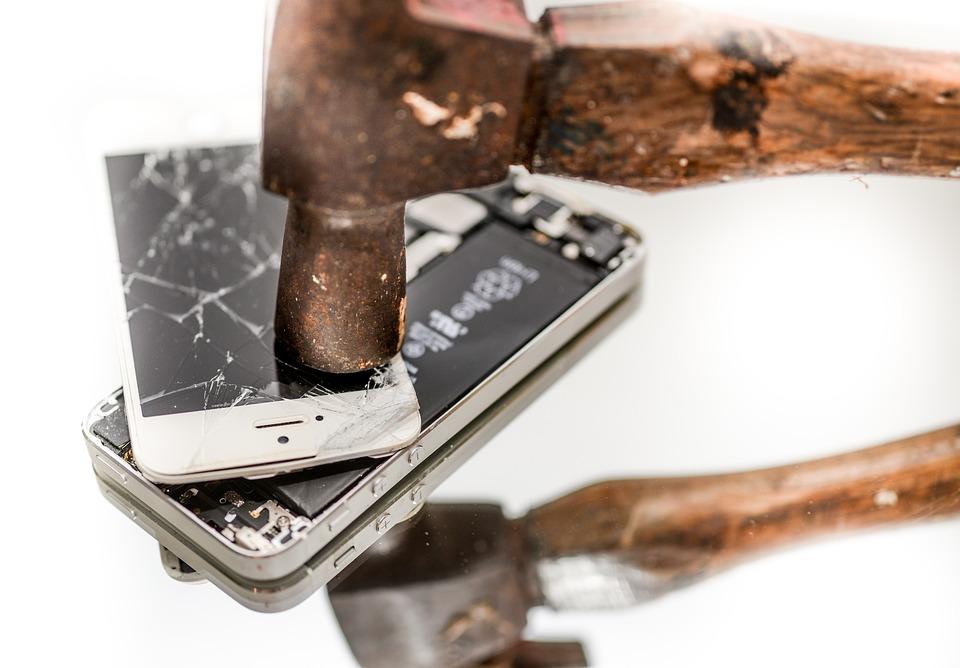 Mobitel i cekic