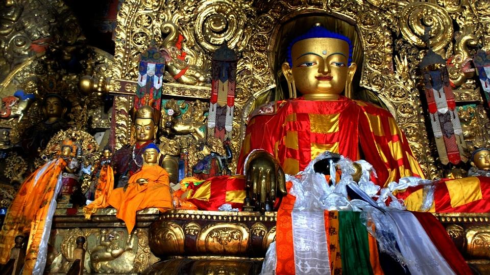 """Ikonografsko značenje """"Osam povoljnih simbola"""" ezoteričnog buddhizma"""