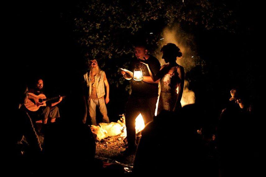 Umjetnost i avantura: Čitanje poezije uz noćni krijes, usred istarske šume!