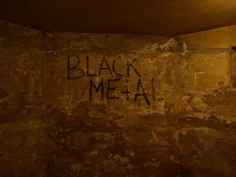Recenzija filma Lords of Chaos, uratka koji obrađuje zločine norveške black metal scene 90-ih
